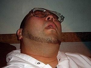 Hotel bans snoring