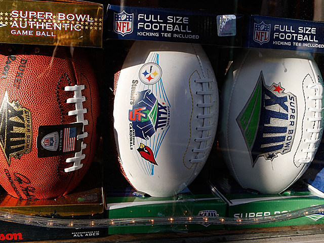 NFLFootballs