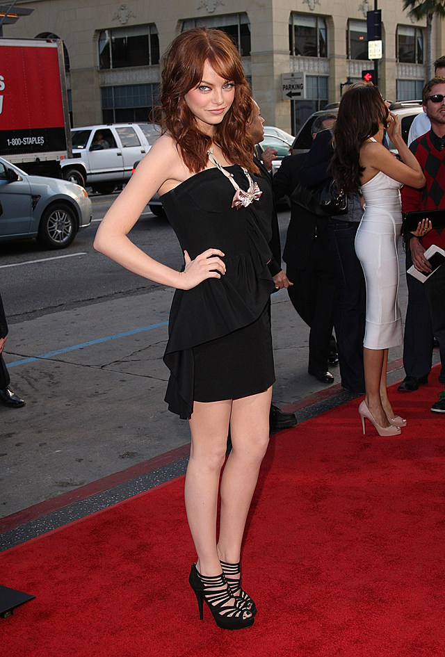 emma stone at premiere of ghosts of girlfriends past