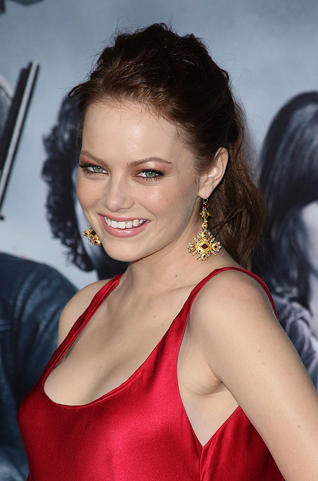 emma stone in red dress at zombieland premiere