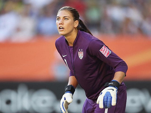 Hope Solo to appear nude