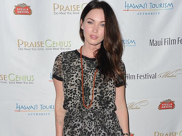 Megan Fox removes Marylin Monroe tattoo