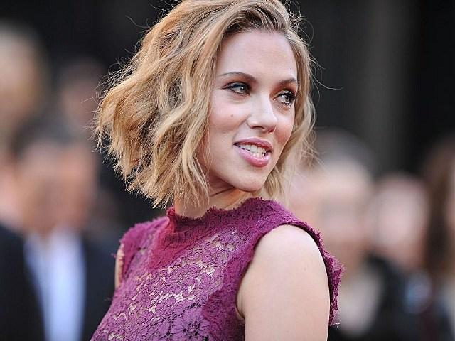 Scarlett Johansson nude pictures FBI