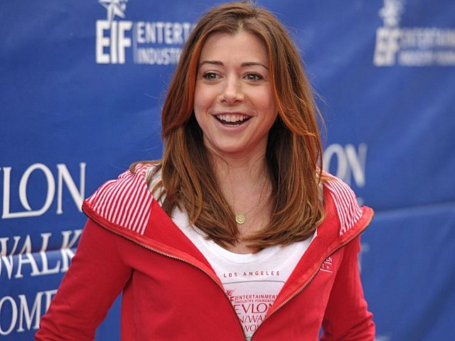 Alyson Hannigan denies she is pregnant