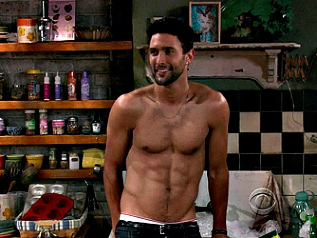 Noah Mills – Hunk of the Day [PICTURES, VIDEO] - TSM ...