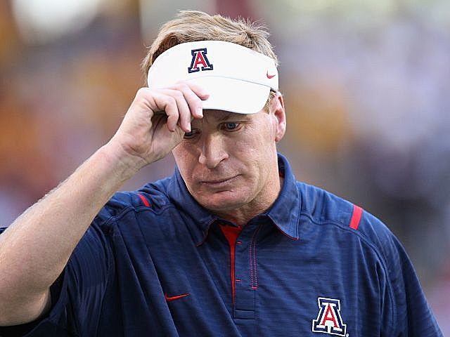 Mike Stoops fired after 1-5 start.