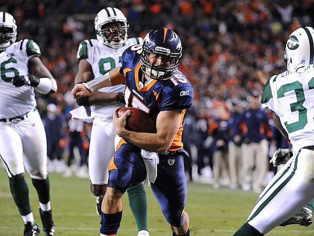 Tim Tebow scores on Jets