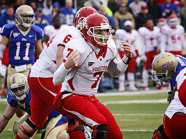 Record-setting quarterback Case Keenum has his sights on an undefeated season and the Heisman Trophy.