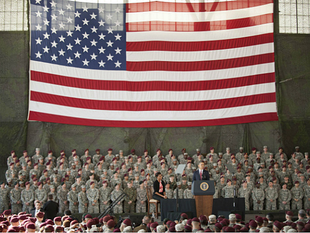 President Obama speaks to troops at Fort Bragg