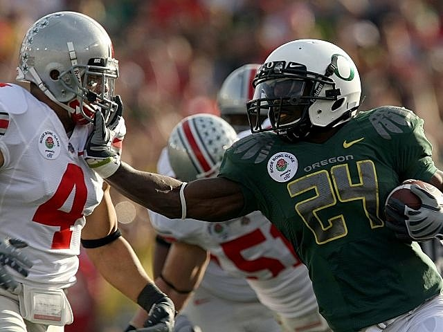 Ohio State and Oregon played in the 2010 Rose Bowl. Starting in 2017, they could meet as regular season foes.