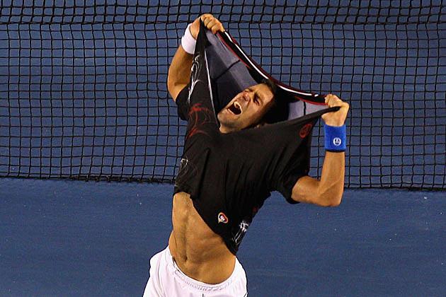Novac Djokovic shirtless