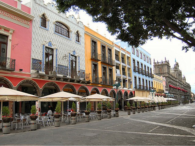 city street in Puebla, Mexico