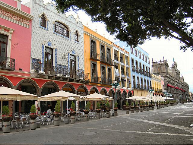 city street in Puebla, Mexico