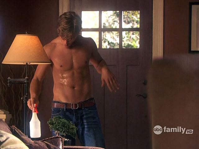 Chris Zylka shirtless
