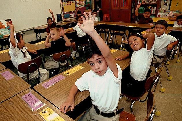 Monolingual Hispanic Students Learn English kids classroom