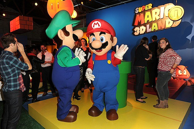 Nintendo Celebrates The Launch Of Super Mario 3D Land luigi
