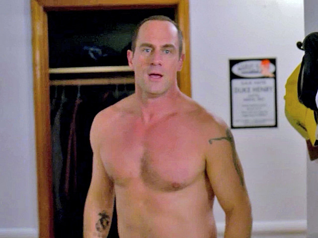 Christopher Meloni shirtless in 'Law and Order: SVU'