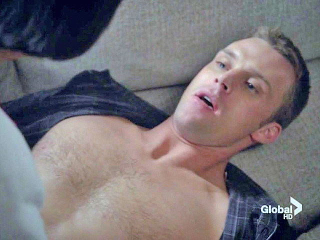 Jesse Spencer shirtless in 'House'