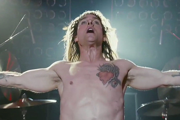 Tom Cruise shirtless in 'Rock of Ages'