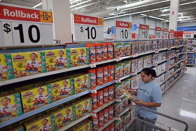 In Weak Economy, Wal-Mart Expands $10-Toy Promotion For Holiday Season