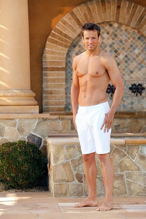 'Bachelor Pad's' Ames Brown shirtless