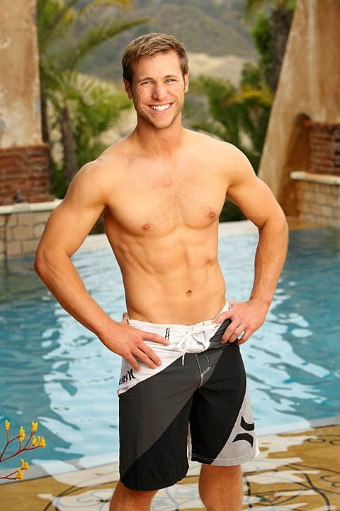 'Bachelor Pad's' Jake Pavelka shirtless