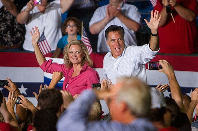 Mitt Romney Campaigns In New HampshireImages