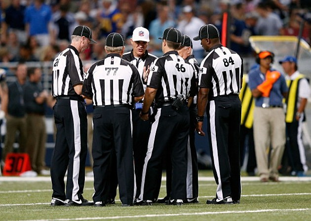 nfl referees assignments Collectively, the super bowl 50 officiating crew has 97 years of nfl officiating experience and 62 combined playoff game assignments blakeman, in his eighth season as an nfl game official, entered the league in 2008 as a field judge and was promoted to referee in 2010 he has officiated five playoff games, including.