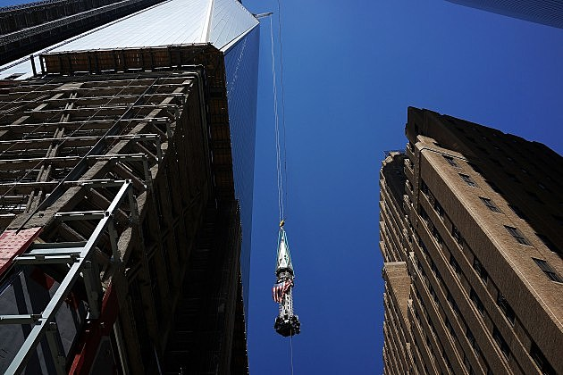Final Sections Of Spire Raised To Top Of One World Trade Center