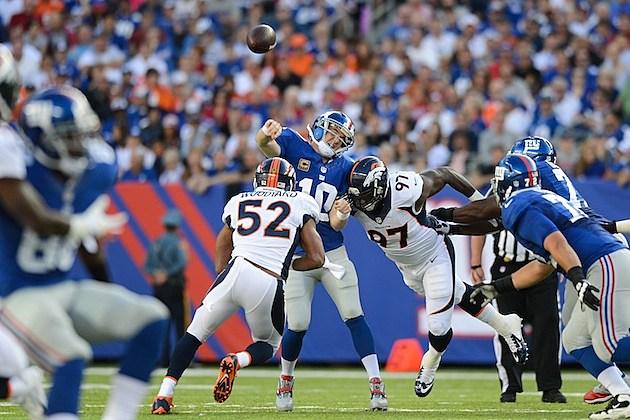 Eli Manning hit