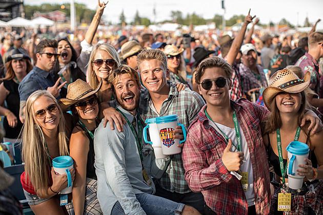 8.4.17_WEfest_Crowds_PatrickHughes-2305